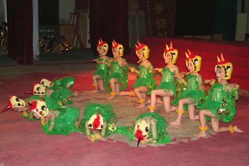 市幼儿园2007年小班招收特长生班  招收对象:具有书法,绘画,舞蹈等