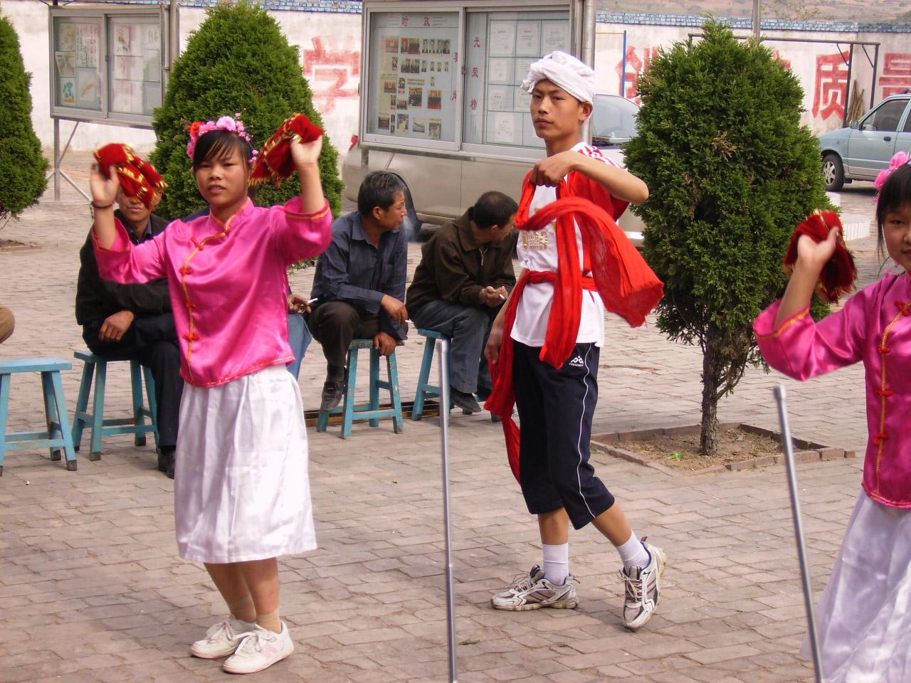 聋哑儿童表演的精彩儿童舞蹈